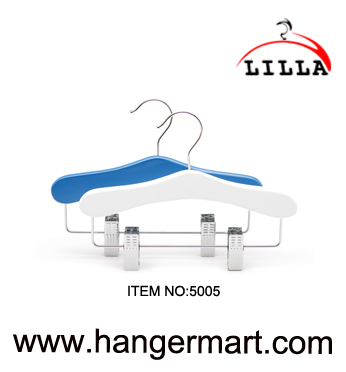 LILLA-baby toddler wooden clothes hangers with trousers skirt clips 5005