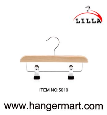 LILLA-wooden baby clothes hanger with metal cilps 5010