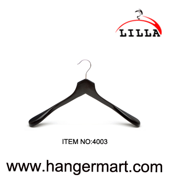 black color deluxy wooden hangers