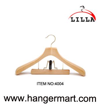 deluxy wooden hangers