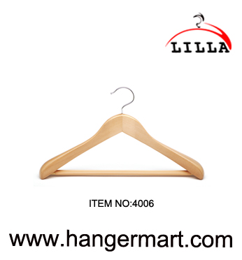 wide shoulder deluxy wooden hangers