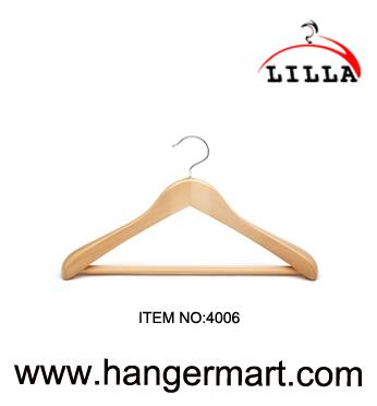 wide shoulder deluxy wooden hangers