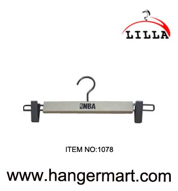 LILLA-NBA use wooden pants hangers 1078