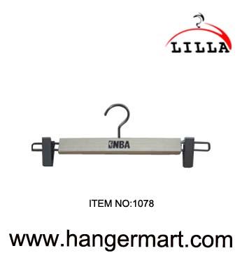 LILLA-NBA use wooden pants hangers 1078
