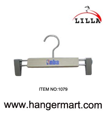 LILLA-NBA use wooden pants hangers 1079