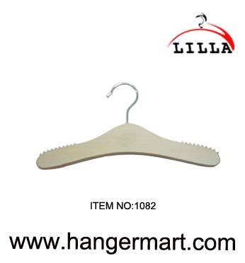 LILLA-Wooden coat hangers 1082