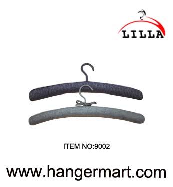 Oihal estalitako hangers
