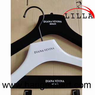 Diana Vevina Pu painted coats wooden hangers black hooks set RH04S